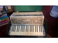 Mariotti Piano Accordion for sale - 120 Keys in case - Antique collectable
