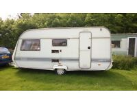 Caravan shell Coachman Oasis- Project / trailer project or as storage -Clean and dry. £145