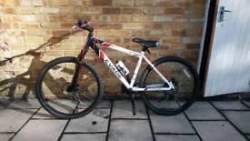 Apollo Evade Adult Bicycle