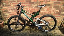 GIANT DS MOUNTAIN BIKE - VERY GOOD CONDITION