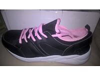 womans boots and trainers new!!!