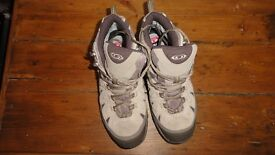 Ladies Hiking Boots Size 6