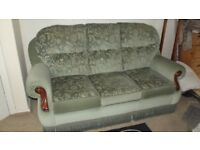 FREE LOVELY TRADITIONAL 3 SEATER SOFA AND ARMCHAIR IN EXCELLENT CONDITION ALL NICE AND FIRM O.N.O.