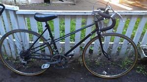 Vélo de route raleigh 28 pouces pour femme