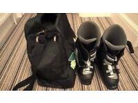 Saloman Size 6 ski boots