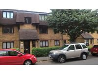 LARGE ONE BEDROOM FLAT TO LET IN NORTH WATFORD – GOOD CONDITION & NO FEES