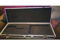 Harley Benton flight case - suit long or short scale bass - bass guitar case