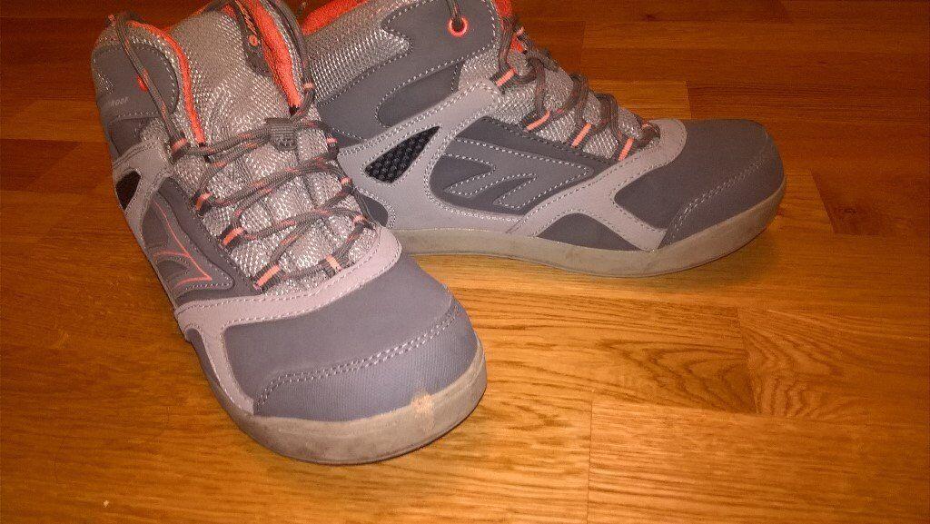Hi-Tec junior winter shoes UK 3 (waterproof)