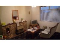 One room available in a house share - Gosforth.