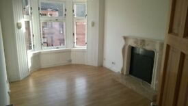 BRIGHT 2 BED UNFURNISHED FLAT AVAILABLE NOW