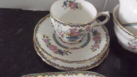 1930's 40 pc tea service in pristine condition. Grovenor china