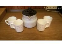 COFFEE POT, 4 MUGS AND FILTER VINTAGE