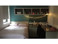 Studio on Lower Bristol Road - price may be negotiable
