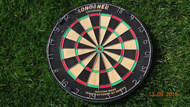 proffesional Dart board Londoner in very good condition