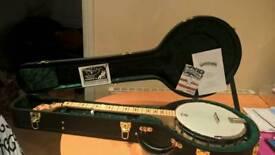Deering Goodtime leader banjo 'carolina king' with Deering deluxe hardshell case