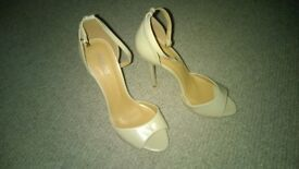 worn ladies shoes size 7 - cream open toe heel