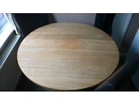 solid hand made oak dining table £100 ono need gone asap