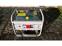 1 kVA petrol generator - only run a few minutes since new