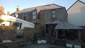Detached House, 3 Double bedrooms, Double garage, Covered storage, Workshop, Garden, Parking 3 cars.