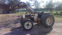 White 700 4WD tractor with loader