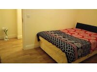 Shared room available in a large Zone 2, SE4