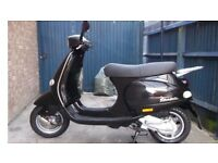 rarely available immaculate Vespa et4 scooter moped 125cc not 50cc