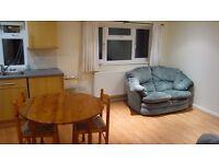 1-bedroom flat, Botley, furnished, double bedroom, bath/shower, light, parking, garden, £775 pcm