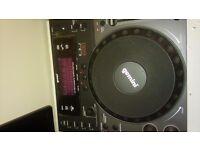 2×Gemini CDJ600 Professional CD/MP3/USB Player.