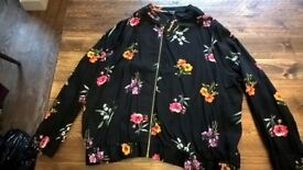 Ladies lighweight SimplyBe black / floral jacket with tags