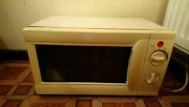 fully working microwave!!