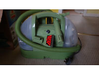 Bissell Little Green Compact Carpet Cleaner / Spot Cleaning Machine, very good condition