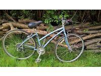 Ladies Specialized Crossroads City bike 15 in frame 700c wheels 21 speed