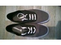 Voi shoes size 9
