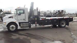 2011 Kenworth T300 Picker Truck