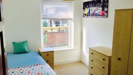 *** Single room (double size), seperate toilet, living room *** WR