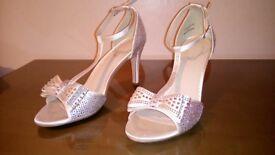 Shoes......👠👡