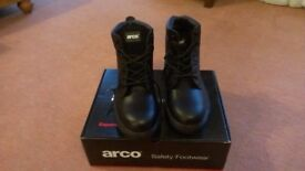 Safety Shoes size 43