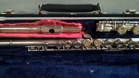 Buffet Crampon flute in hard case with cleaning cloth & pipe
