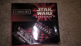 Star Wars Episode 1 Chess Set- Like New