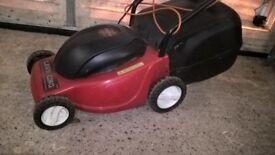 Lawn King electric mower 33cm cut 1000W