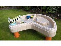 Lovely Little Tikes Builders Bay Sand and Water table