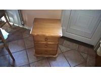 1 set of bedside drawers