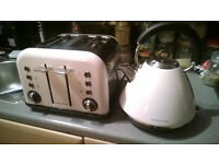 MORPHY RICHARDS ACCENTS 4 SLICE TOASTER AND KETTLE