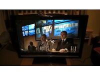 Sharp 32 inch TV, Freeview, Hdmi, usb