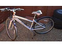 BRAND NEW VICTORIA PENDLETON HYBRID BIKE