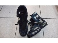 Roces Munich Size 8 Roller Skate Boots