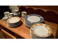 ROYAL NORFOLK DINNER SERVICE (8 OF EACH ITEM)