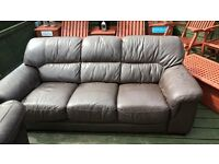 3 seater sofa £40