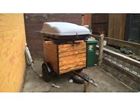 camping carboot trailer with roof box
