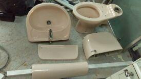 Free Stelrad Doulton Bathroom suite